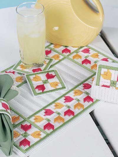 Plastic Canvas - Kitchen Patterns - Tulip Time Table Decor
