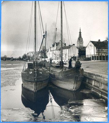 Elbing, Fischerboote im Hafen