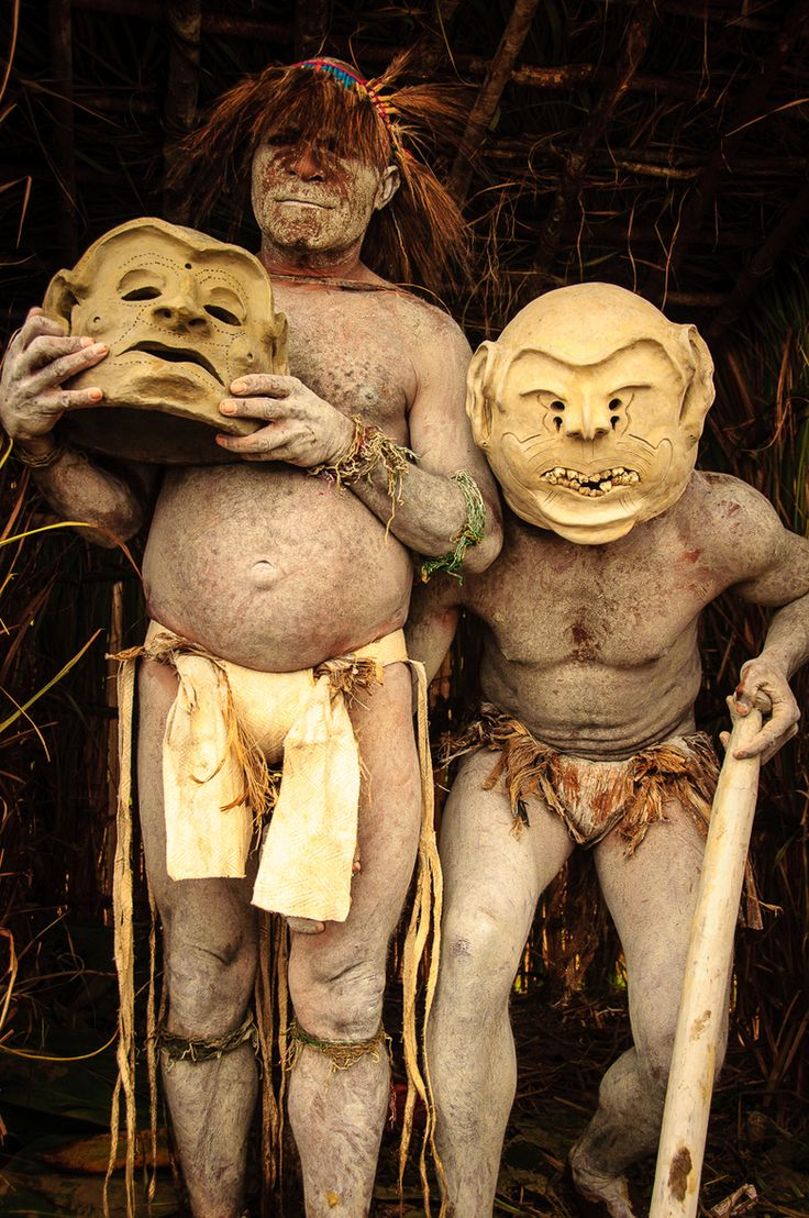 I remember these Mud Men, Papua, New Guinea http://www.travelbrochures.org/260/australia/travel-to-papua-new-guinea