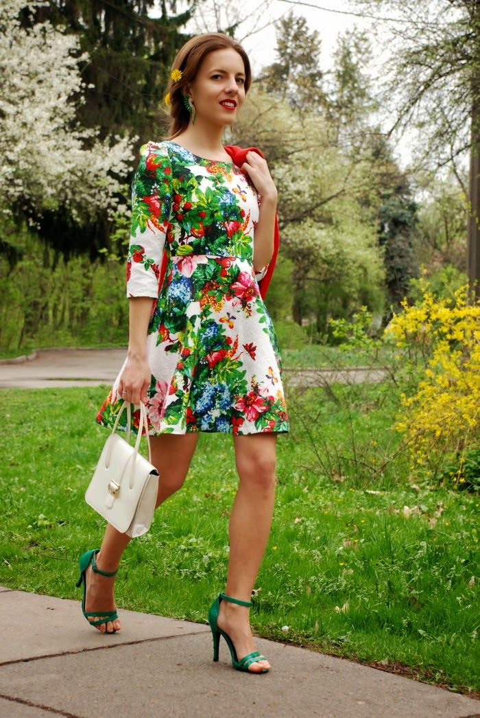 Iren P. - Sheinside Floral Printed Dress, Centro Green Heeled Sandals, Green Rhinestone Ear Cuff, Vintage Red Blazer - FLORAL GARDEN | LOOKB...