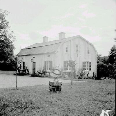 DigitaltMuseum - S.a flygelbyggnaden till Sörfors nedbrunna herrgård.
