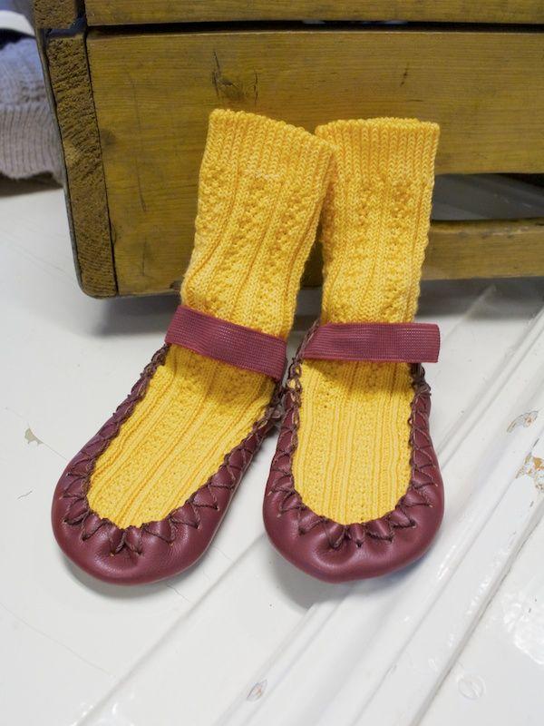 Yellow retro mockasins