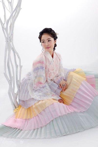 Pastel hanbok w pleated chima