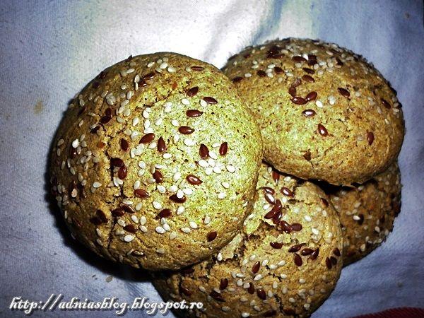 Chifle fara gluten cu seminte, preparate in casa