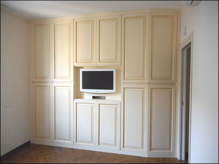 36 best images about mobili dipinti a mano on pinterest credenzas piccolo and piano - Armadio con porta tv ...
