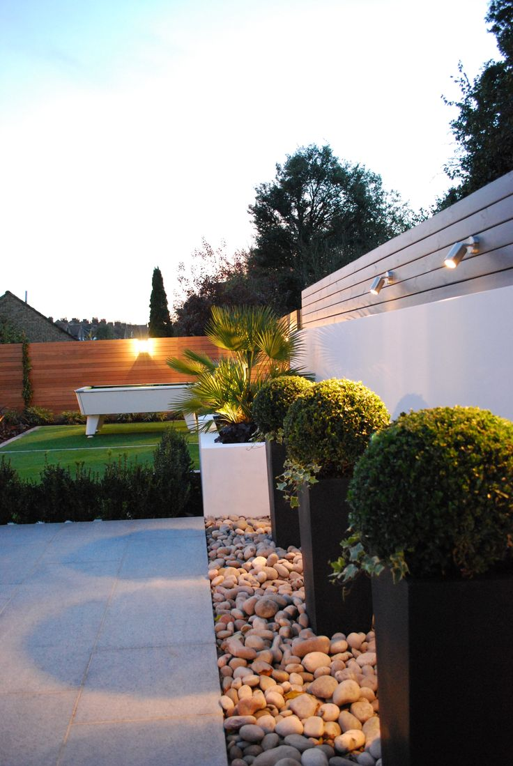 www.thelandscapedesignstudio.co.uk#renderedwalls #balau #contemporarygarden #gardendesign #granite #outdoorpooltable #landscapedesigner #landscapedesign #gardenlighting