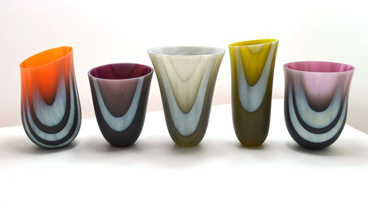 Amanda Simmons will lead a three day introduction to kiln formed glass vessels using the variables that affect slumping with gravity to create 'drop-out' vessel forms. This workshop will run from 28 - 30 March at North Lands Creative Glass in Caithness.