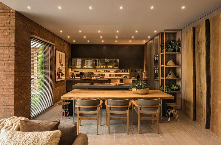 Decoração, design de interiores, decoração de casa, iluminação, obra de arte, quadro, pintura, flores, plantas, flores na decoração, plantas na decoração, cozinha, decoração de cozinha, revestimento, sala de jantar, ambiente integrado.