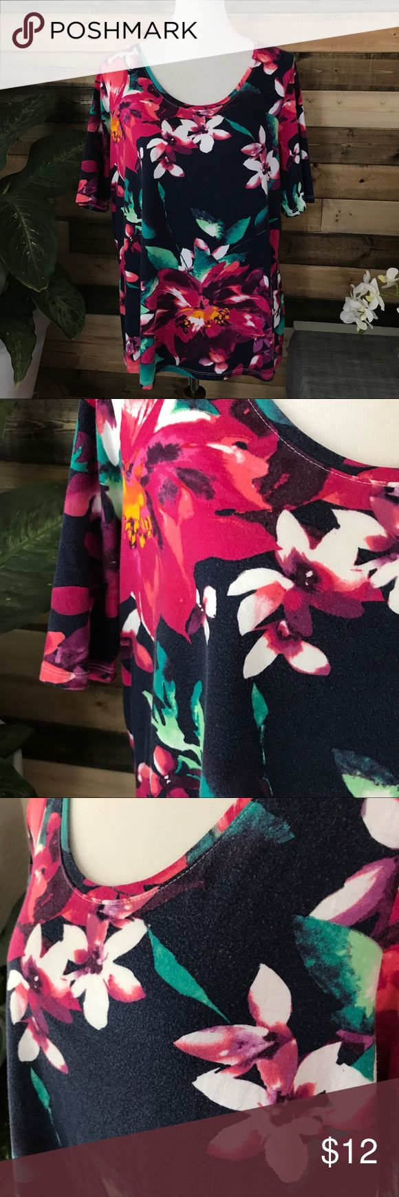 """Lane Bryant floral Supima Cotton shirt! Plus 18/20 Great floral tee with a navy blue background. Very light wash wear, which is normal for the Supima Cotton(SO SOFT!) and micromodal fabric.  Bust 22"""" Length 26.5"""" Lane Bryant // women's Size 18/20 Lane Bryant Tops Tees - Short Sleeve"""