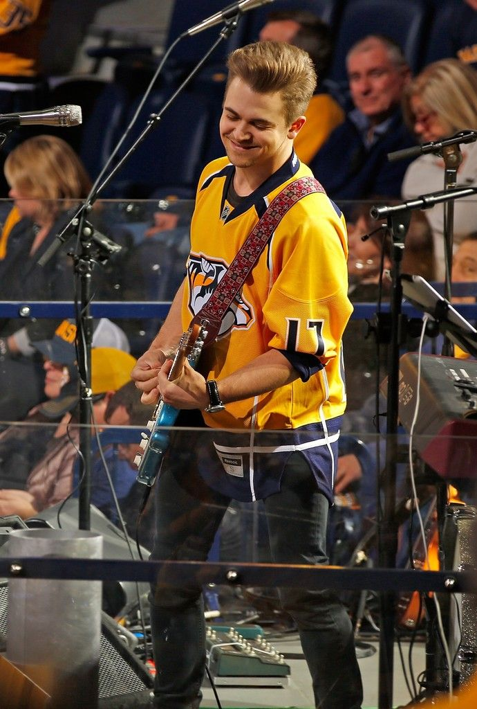 Hunter Hayes Photos Photos - St Louis Blues v Nashville Predators - Game Four - Zimbio