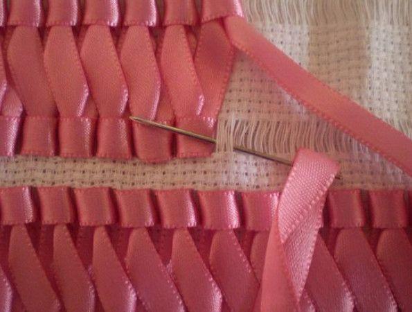 Вышивка лентами на салфетках, полотенцах, скатертях… Очень красивый и нарядный декор, особенно с цветочными мотивами! — HandMade