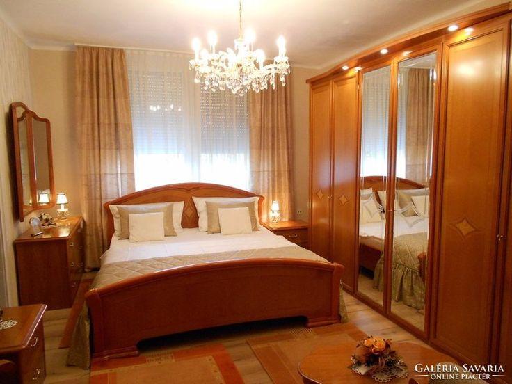 Olasz intarziás hálószoba gardrób ágy szekrény komód tükör