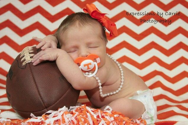 Tennessee vols newborn photoshoot