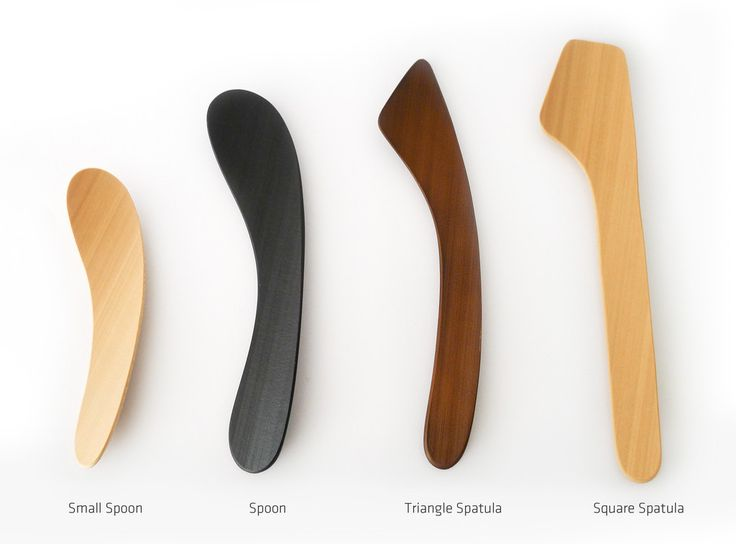 MINOTAKE Square Spatula is a contemporary cutlery made of bamboo. The designer Makoto Koizumi has used the natural curvature of bamboo to create this uniquely organic shape which not only looks beautiful but also ergonomically friendly to user's hand.