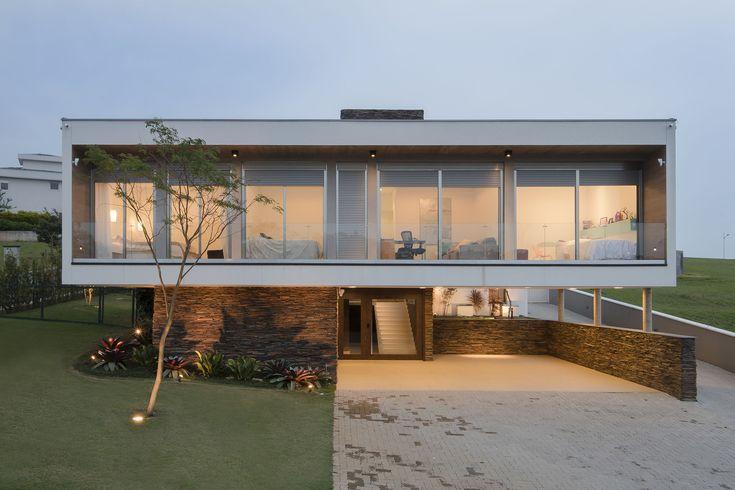 Casa Quinta das Paineiras  / Ricardo Ropelle Felippi Arquiteto