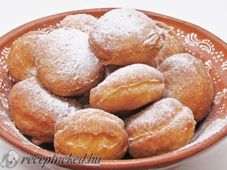 Kipróbált Gyors tejfölös fánk recept egyenesen a Receptneked.hu gyűjteményéből. Küldte: Hajdu Istvan
