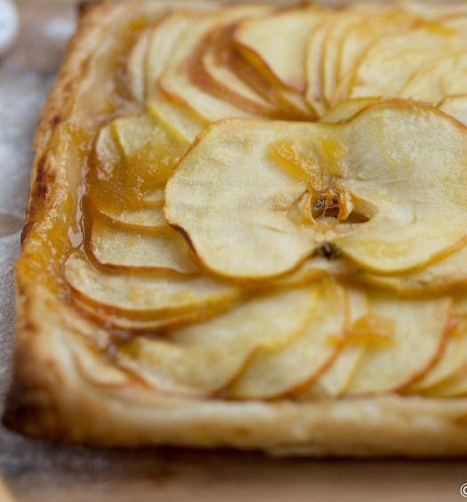 bladerdeegtaartjes met appel