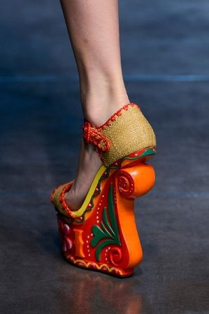 Dolce and Gabbana Spring 2013.. and yet, strangely appealing. Interesting, death by tripping traps! :-D