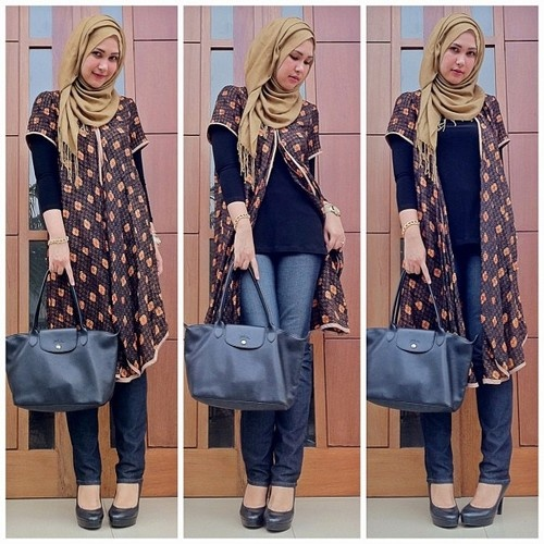 Batik (indonesian fabric) day..  - @maharanihatta- #webstagram