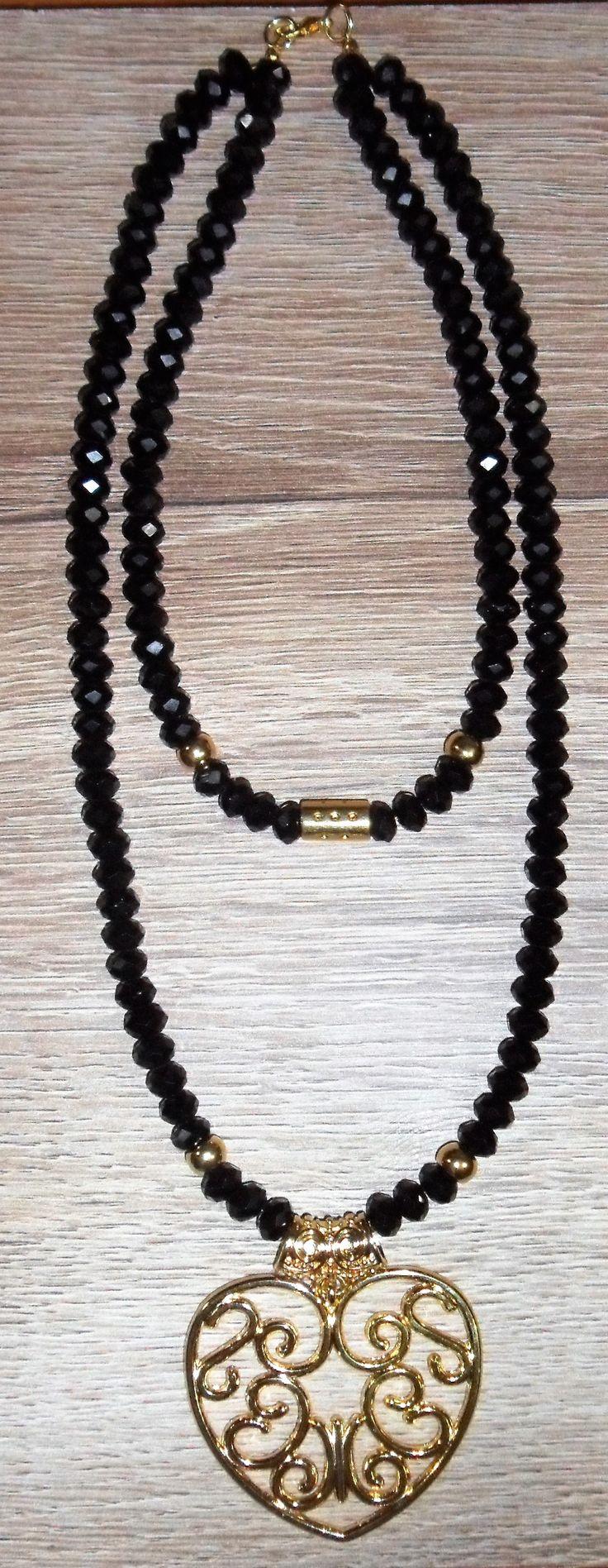 collar negro doble en piedras de murano y dije en zamak