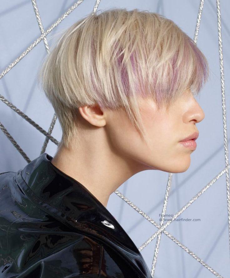En etkili kısa saç kesimi örneği, Uzun ipler onun kırpılmış bu kısa kesim yumuşak kenarına dışarı çıkıntı ve boyun ve uzun, tam patlama mezun oldu.Bu sürpriz personeli yumuşak bir dokunuş ve geometrik taban kesmek için organik bir beceri ilave eder.Benzersiz bir karakter dahi boyama ile daha fazla alınır. Benzersiz kısa saç modelleri 2016 Yoğun lavanta ipliklerini yumuşak, kumlu sarışın tabakaları arasında heyetti.Onlar patlama ve tarafları vurgulamak ve saç hareketinin değişik stylings…