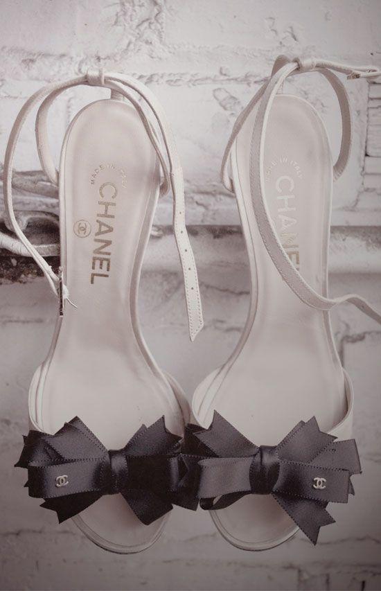 .: Coco Chanel, White Wedding, Bows Heels, Wedding Shoes, Black Bows, Chanel Shoes, High Heels, Chanel Black, Bows Shoes