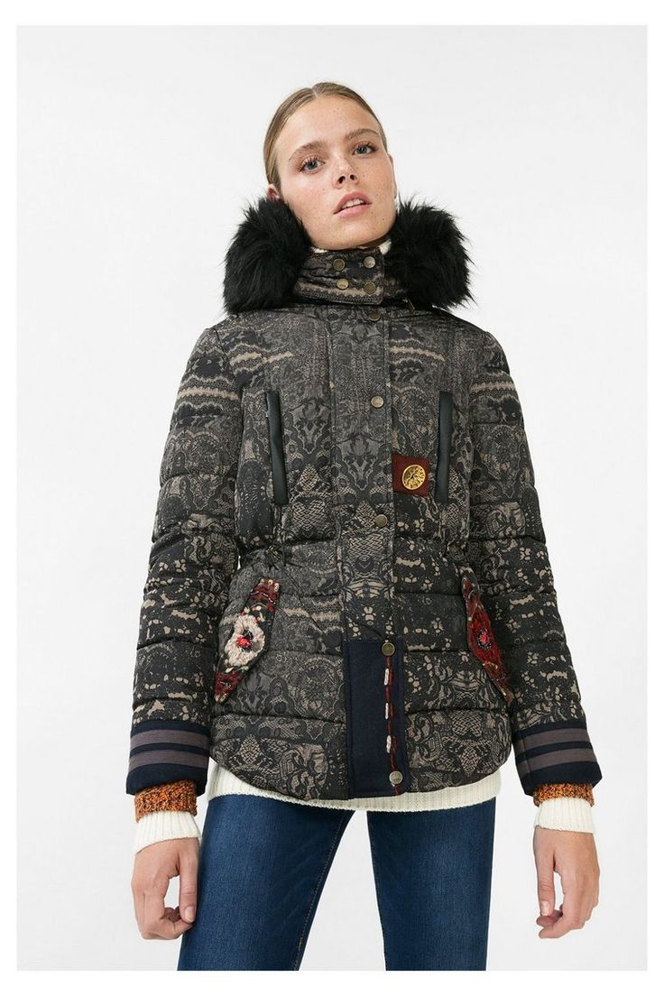 Manteau noir matelassé Badajoz Desigual pas cher prix Manteau Femme Desigual 199.95 €
