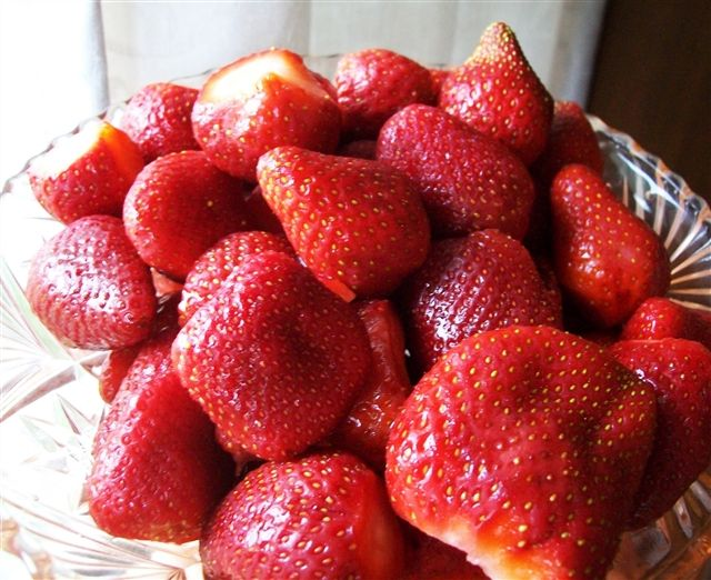 Naturally Sweetened Strawberry Jam - Quirky Cooking