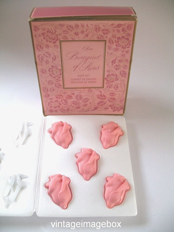 Pictures In Gallery AVON Bouquet of Roses Soap Set vintage era novelty toiletries boxed VintageImageBox