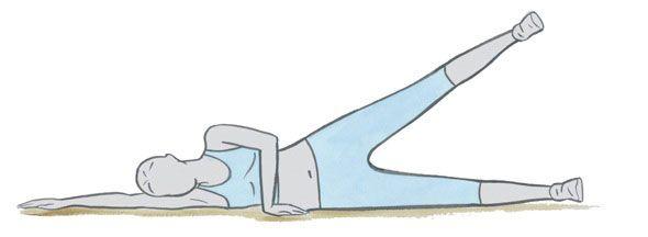 Doe twee sets van 12 herhalingen van elk van deze oefeningen voor een platte buik.