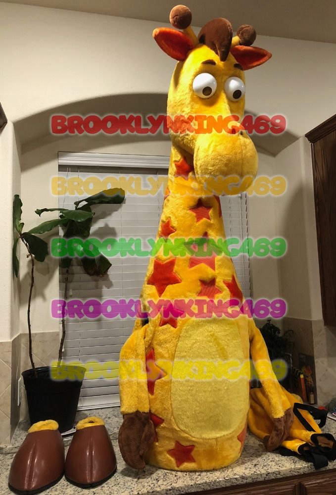 In Hand Free Shipping Toys R Us Geoffrey The Giraffe Mascot