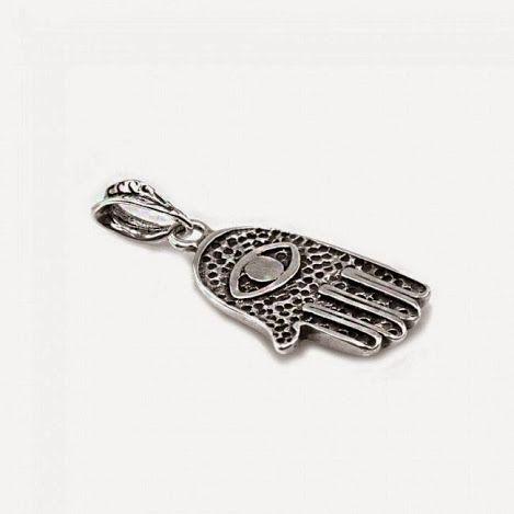 Mão-de-Fátima: o nome desse talismã muçulmano é uma homenagem à filha do profeta Muhammad (Maomé). Esse símbolo representa também Fé, Oração, Jejum, Caridade, Peregrinação, os 5 pilares do Islã. É a representação da Justiça e Generosidade.