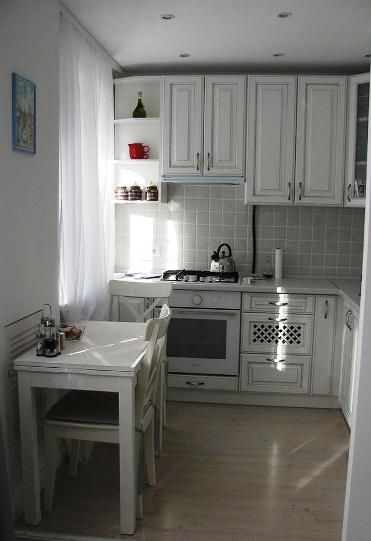 Невозможное возможно -- кухня 5,7 кв. метров, где поместилось всё, что нужно для комфортной жизни!