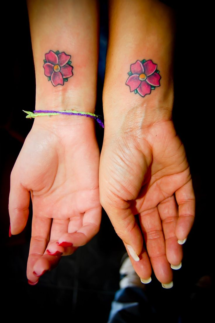 40 fantastic friendship tattoos creativefan - Check Out 30 Best Friend Tattoos Ideas If Choosing A Tattoo Has To Be Special Because You Will Have It For The Rest Of Your Life Choosing A Best Friend
