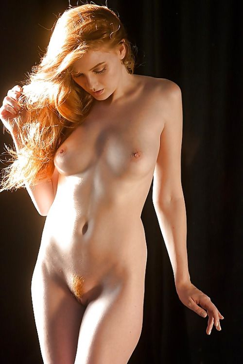 sexy-naked-girl-with-bush
