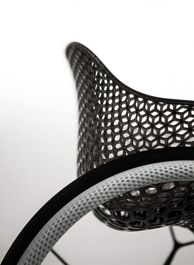 Benjamin Hubert de l'agence de design Layer et la société spécialisée dans l'impression 3D Materialise, ont présenté GOà la Clerkenwell Design Week de Lon