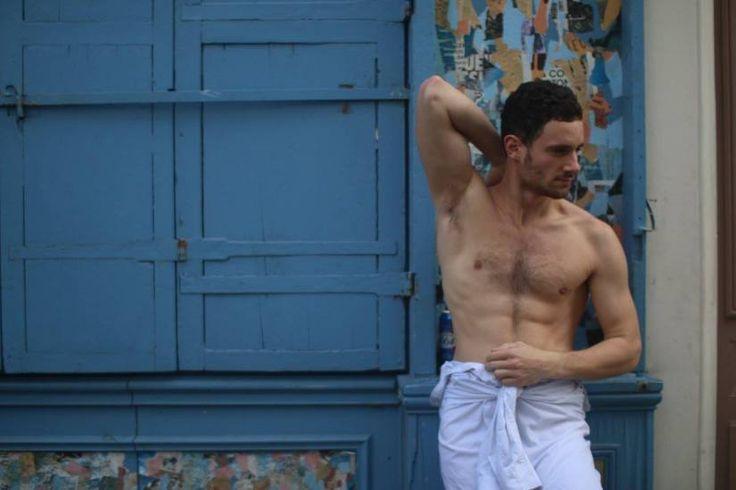 calchemise-hombre-sin-camisa