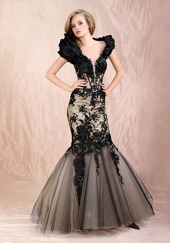 黒のレースがゴージャスなマーメイドラインのドレス♡モノトーンのウェディングドレス・花嫁衣装参考まとめ♪