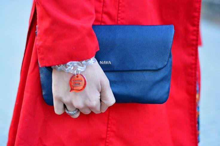 il nostro bracciale Socialice Chat rosso protagonista dell'outif Red Passion sul blog di Jessica Neumann - Culture & Trend