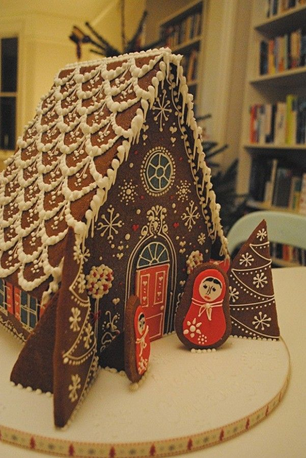 Simple Inspiring Gingerbread House Ideas 6