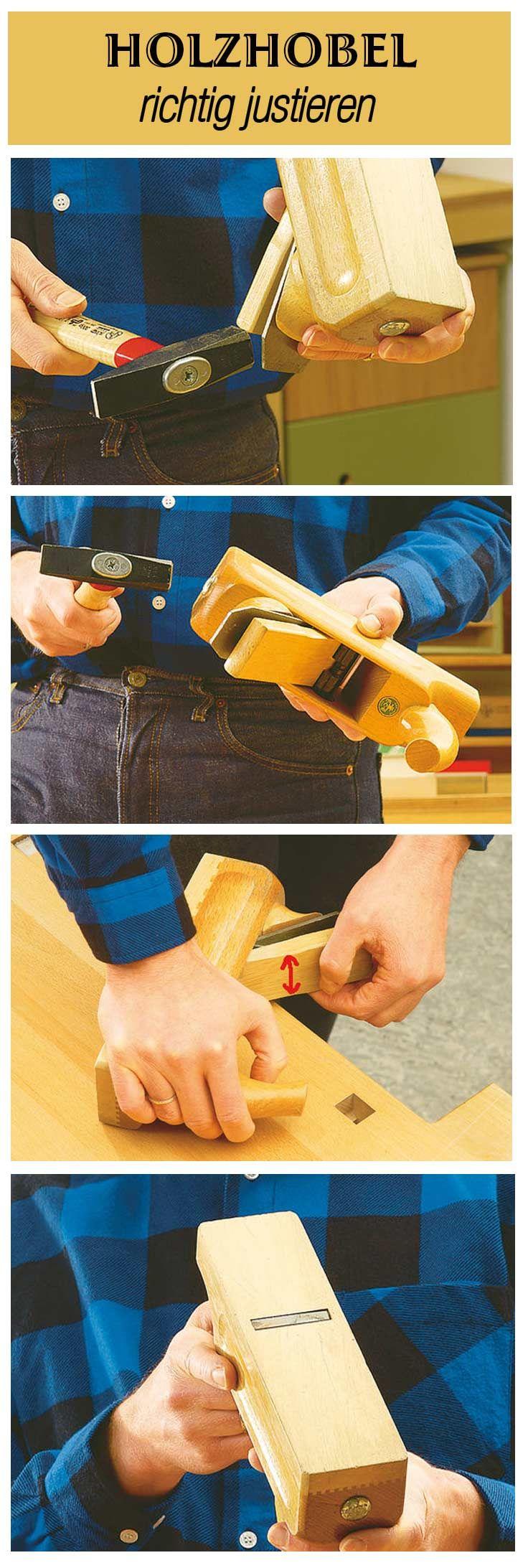 Wir erklären, wie man einen Holzhobel richtig justiert. Mit sanften seitlichen Schlägen das Messer seitlich justieren. Leichte Schläge auf den Knopf treiben das Eisen aus dem Maul. Der Keil darf nur so fest in den Hobelkasten geschlagen werden, dass er sich mit seitlichen Hebelbewegungen (Pfeil) per Hand wieder lösen lässt. Die richtige Messereinstellung kann man kontrollieren, indem man flach über die Hobelsohle peilt. Die Schneide darf nur ganz flach hervorstehen.