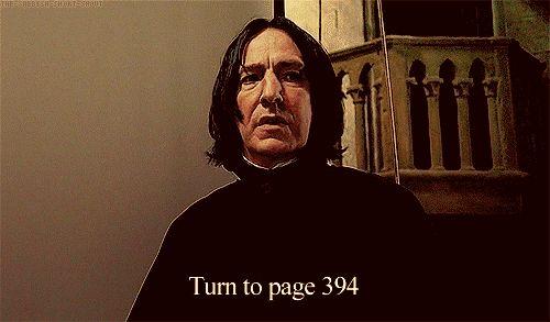 Quando ele pediu à classe para abrir na página 394.
