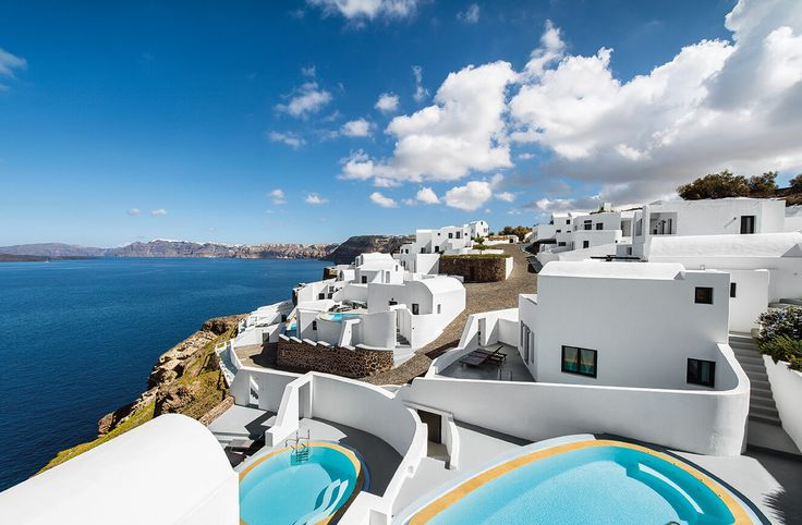 Ambassador Aegean Luxury Hotel & Suites | Santorini | Based on simple minimal lines and materials | Designed by The Interesting Design #architecture #luxury #bestof2017 #luxuryhotel #suites #ek_magazine