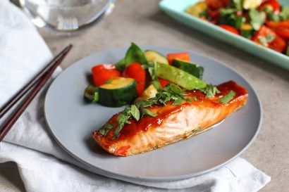 EASY ASIAN SALMON WITH STIR FRIED VEGETABLES - The Purple Ladle