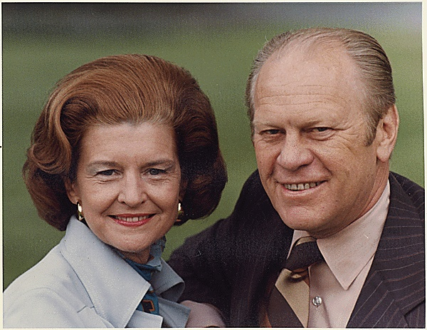 Photograph of President Gerald Ford and First Lady Betty Ford on the White House South Lawn, 05/09/1975