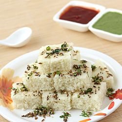 Rava Dhokla (Spongy Cake made from Semolina)