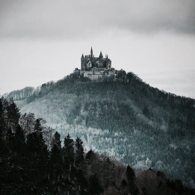 Castle on the hill | The North Realm