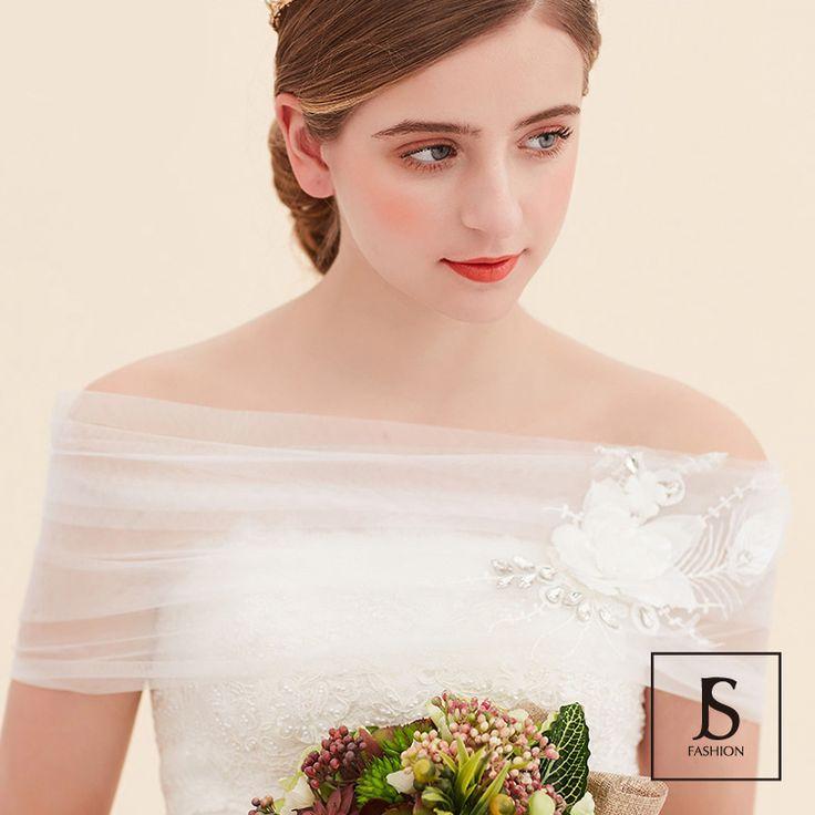 レースアップ・フラワー刺繍ショートケープ・ホワイト・ウェディングパーティー・ウェディングドレスと合わせ・ブライダル・花嫁・挙式・披露宴・結婚式・ブライダル撮影用小物【180213】#JSファッション #ウェディング #ウェディングケープ #ホワイト #花嫁 #挙式 #結婚式小物 #ドレスとわせて #個性的 #大人 #二次会 #謝恩会 #食事会 #結婚式 #演奏会 #発表会 #披露宴 #成人式 #卒園式 #卒業式 #お呼ばれ #海外 #通販
