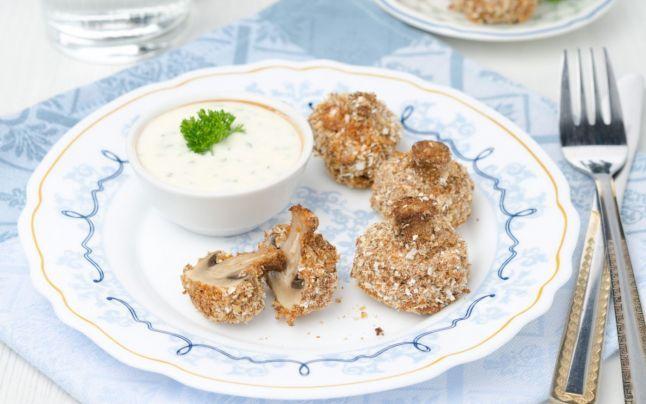 Exotic, delicios şi aromat: ciuperci pane cu sos de iaurt