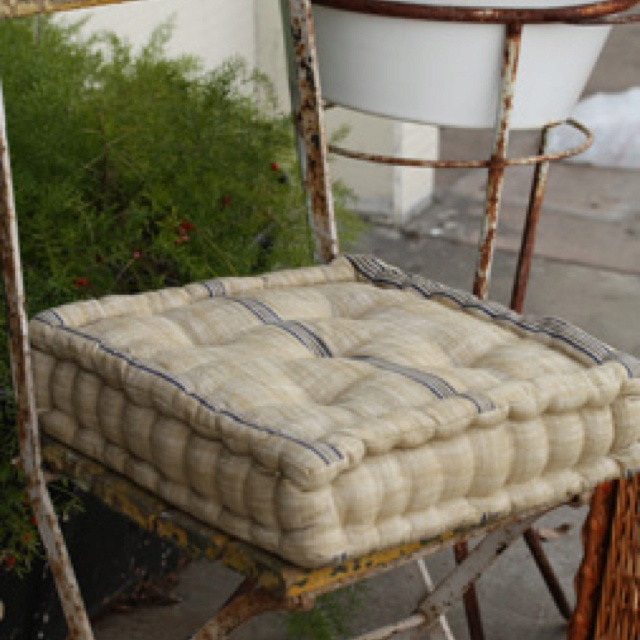 French Mattress Style Cushion Another One I Got The Chinese Day Bed Blues Pinterest Cushions And Daybed